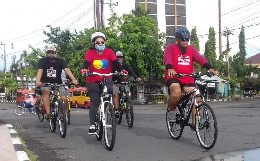 cycling in Indonesia Cimigo